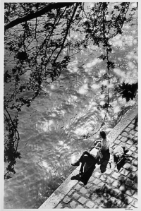 Siesta_on_the_right_bank_of_the_river_SeineAlfred_Eisenstaedt__1557